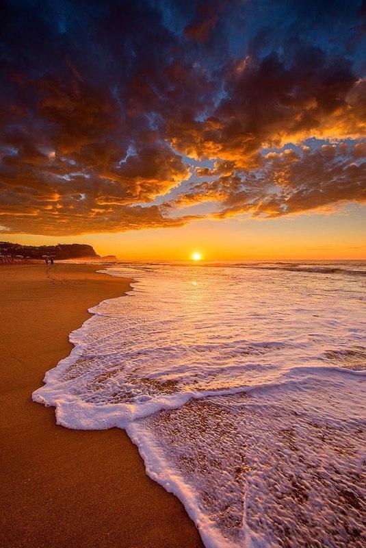Иногда хочется уйти от всего. к морю, например. сидишь, а ветерок так слегка...