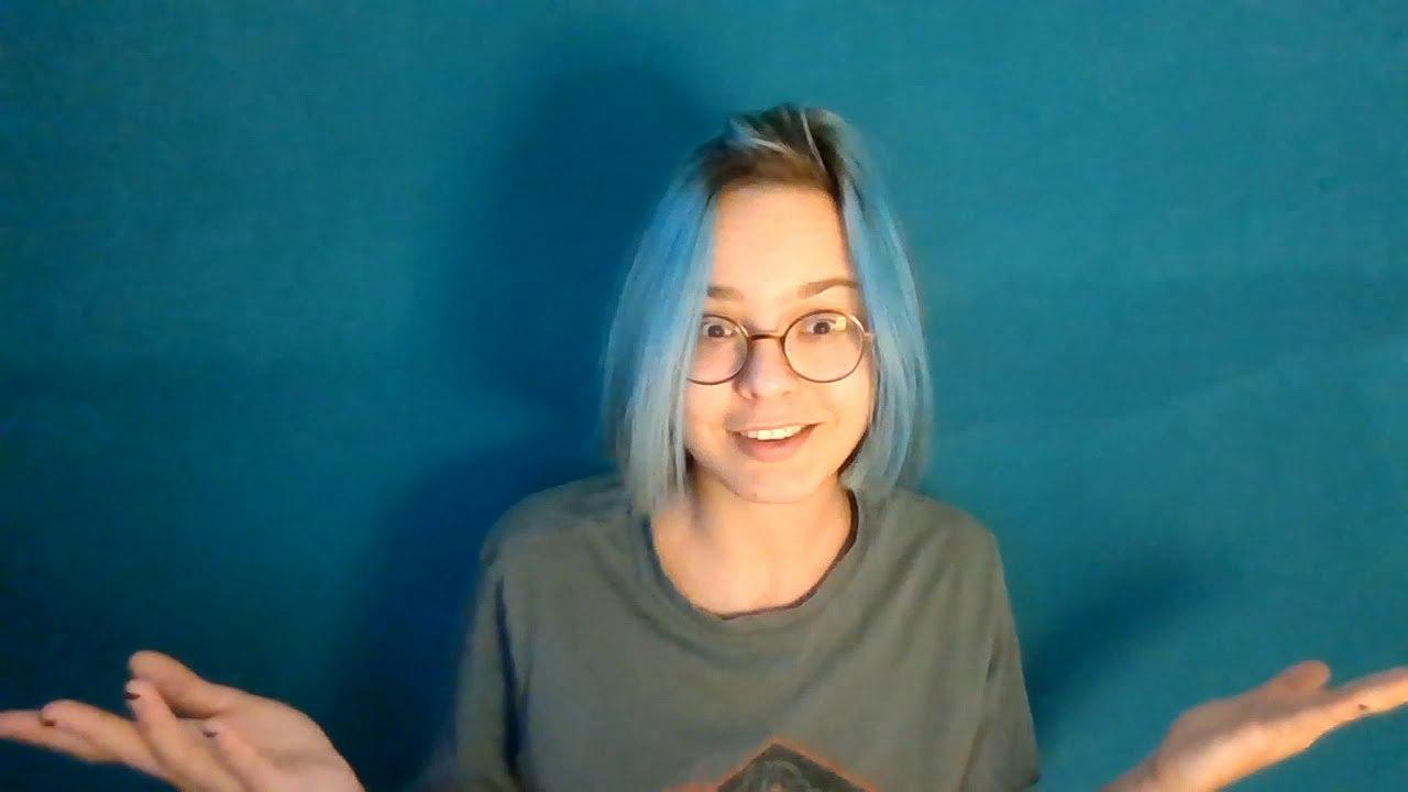 Попрактиковалась в говорении на камеру и записала видео про плюсы и минусы...