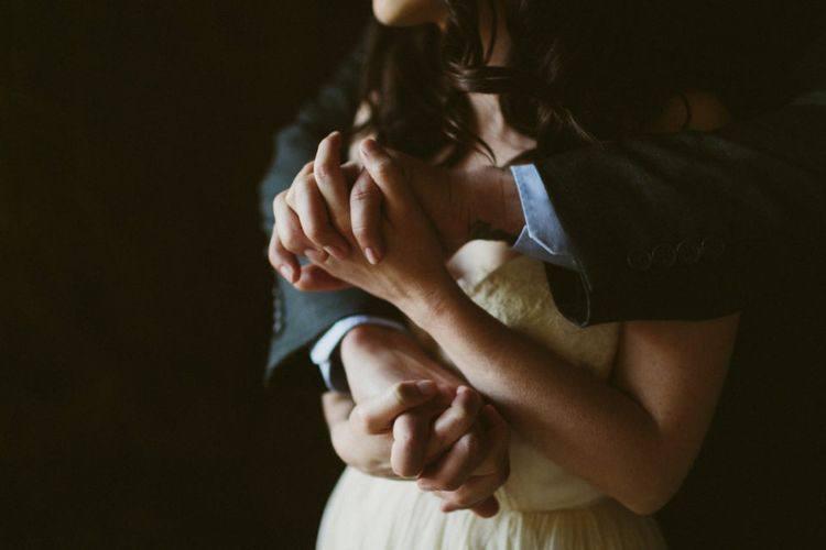 - Почему, вот люди живут вместе и вроде бы любят друг друга, а у них ничего не...